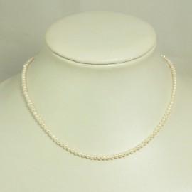 Collier perles d'eau douce blanches  2,5/3mm