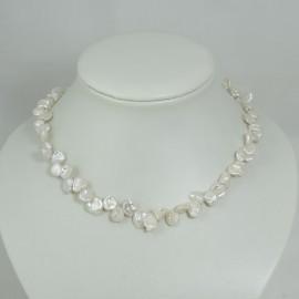 Collier de perles d'eau douce blanches baroque